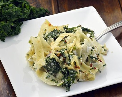 Paneer sauce in baked fettuccine with spinach2